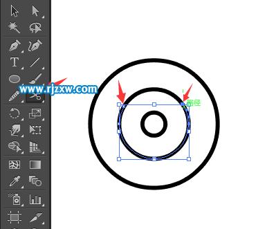 第5步,选择外面的圆,点击剪刀工具,点击上面的二个圆的地方.