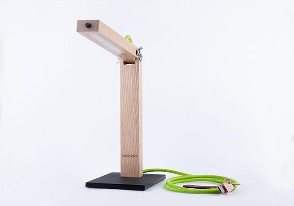 精心打造的性感木制台灯_软件自学网