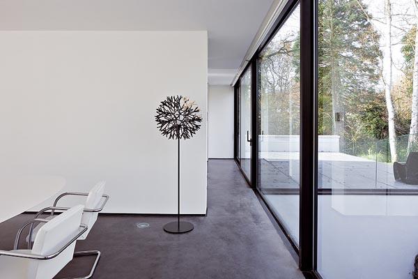 比利时现代别墅设计 前卫的室内装饰