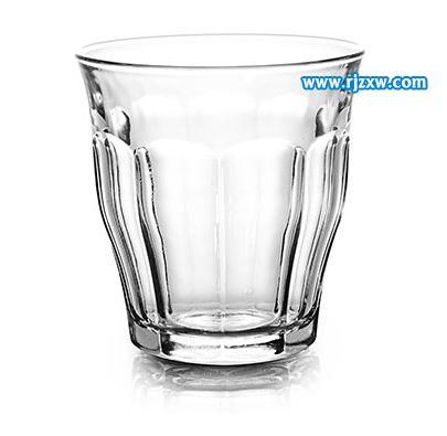沉入水中的玻璃杯海报制作_软件自学网